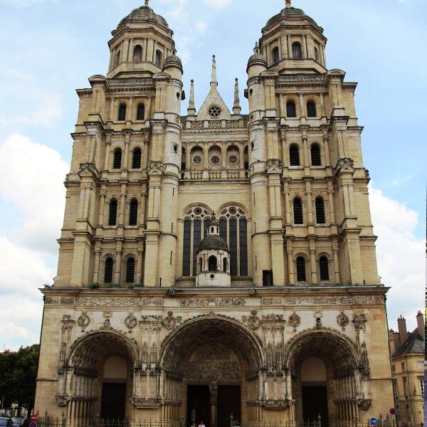 Découvrez la cathédrale de Dijon lors de votre séminaire en bourgogne